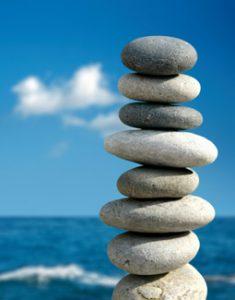 Stapel stenen in balans op Haptotherapie Sonja Nuyt te Amsterdam